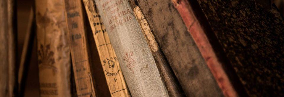 libri biblioteca antica